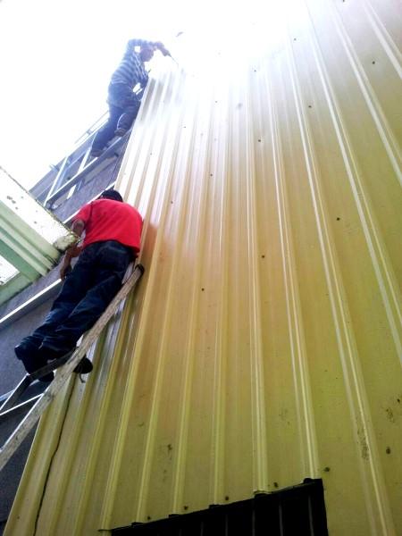 鐵皮屋設計作品-牆面封烤漆鋼板