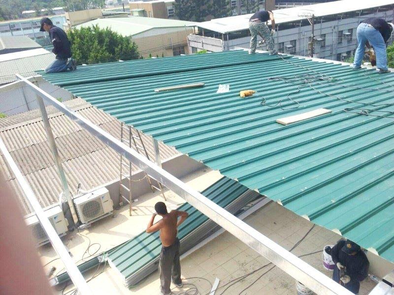 鐵皮屋工程作品-樹脂板覆蓋